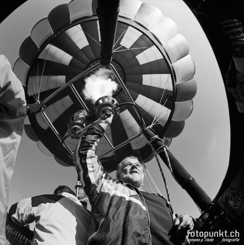 http://romanoriedo.ch/files/gimgs/11_aerostier-ballonfahrer-sl.jpg