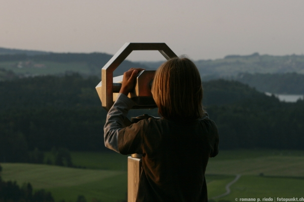 http://romanoriedo.ch/files/gimgs/19_teleskop-boy-f.jpg