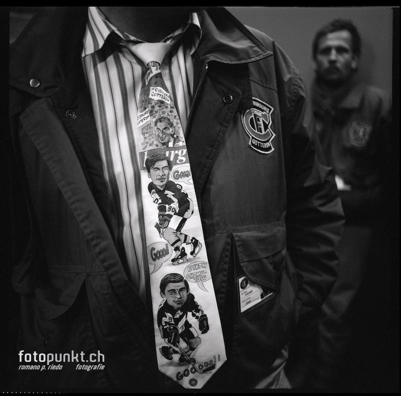 http://romanoriedo.ch/files/gimgs/20_bykov-khomutov-cravatte-s-l.jpg