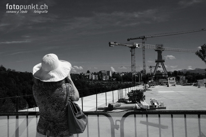 http://romanoriedo.ch/files/gimgs/22_pont-poya-femme-foto-visite9846-sw-l.jpg