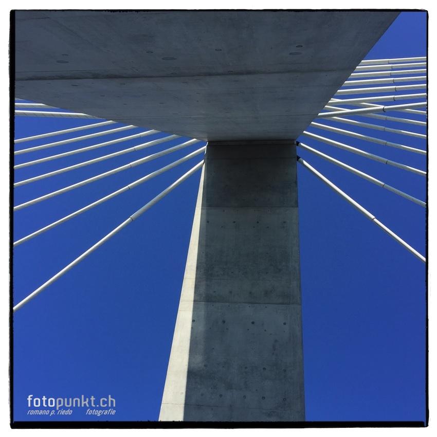 http://romanoriedo.ch/files/gimgs/22_pont-poya-pylone-img1624-s-l.jpg