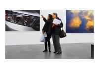 30_gallery-visitors-kunsthalle-zh-tilmans-dsc04952-f-mrsmall.jpg