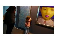 30_girl-touche-tableau-ls-art-fair-dsc00017-f-wrsmall.jpg